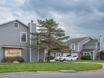 660 Gateway Court 3-4 Beds Apartment for Rent Photo Gallery 1
