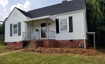 1801 E 3Rd St 3 Beds House for Rent Photo Gallery 1
