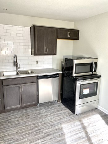221 Garfield Avenue 1-2 Beds Apartment for Rent Photo Gallery 1