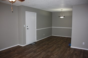 5901 Pierce Street 1-4 Beds Apartment for Rent Photo Gallery 1