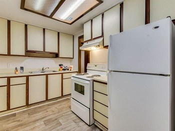 1850 Apple Valley Dr Studio-2 Beds Apartment for Rent Photo Gallery 1