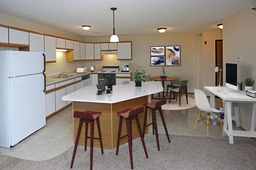 The Legacy Apartments, Grand Forks, ND Open Kitchens with Room to Spare