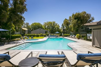 1401 Lakewood Ave 1-2 Beds Apartment for Rent Photo Gallery 1