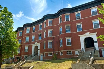 108-116 Winthrop Rd 3 Beds Apartment for Rent Photo Gallery 1