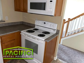 2526-2559 Mistletoe Ct 2-3 Beds Apartment for Rent Photo Gallery 1