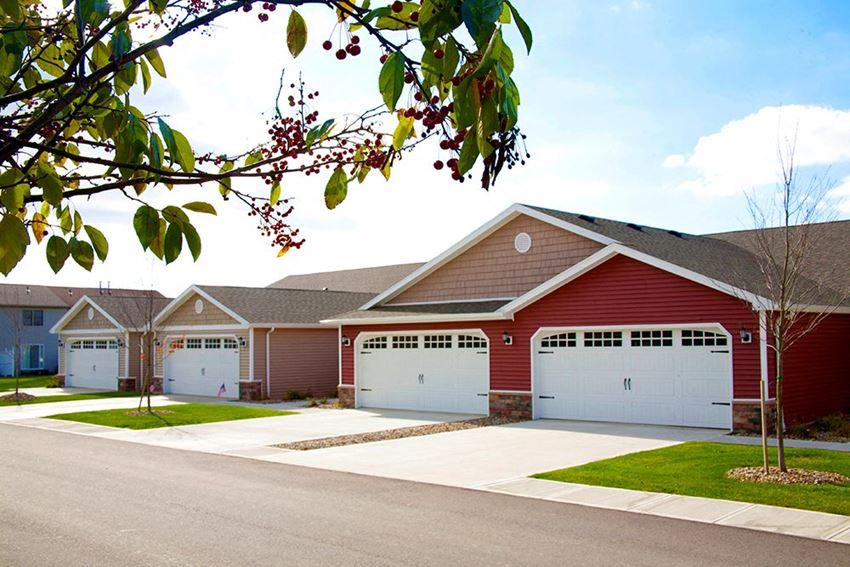 Orrville OH Apartment Rentals Redwood Redwood Orrville Two Car Garage