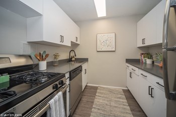 3190 West 14Th Ave 3 Beds Apartment for Rent Photo Gallery 1