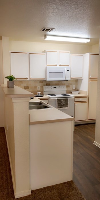 7702 West Parkway Blvd N 1-2 Beds Apartment for Rent Photo Gallery 1