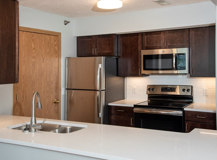 1 bedroom upgraded kitchen
