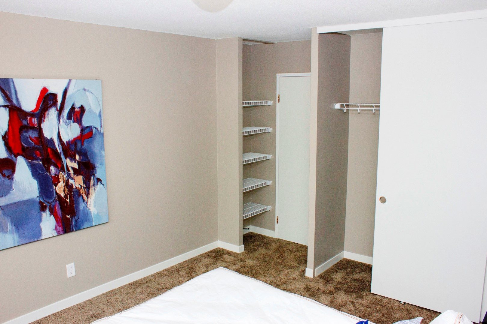 410 Apartments Model Closet Organizers