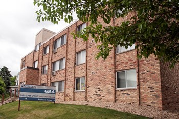 624 Huron Blvd SE 1-2 Beds Apartment for Rent Photo Gallery 1