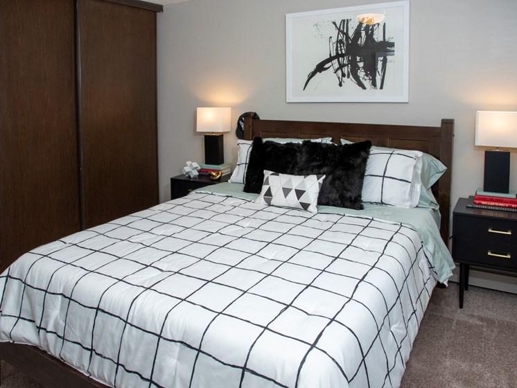 Bedroom at Eagan Place Apartments, Eagan, MN