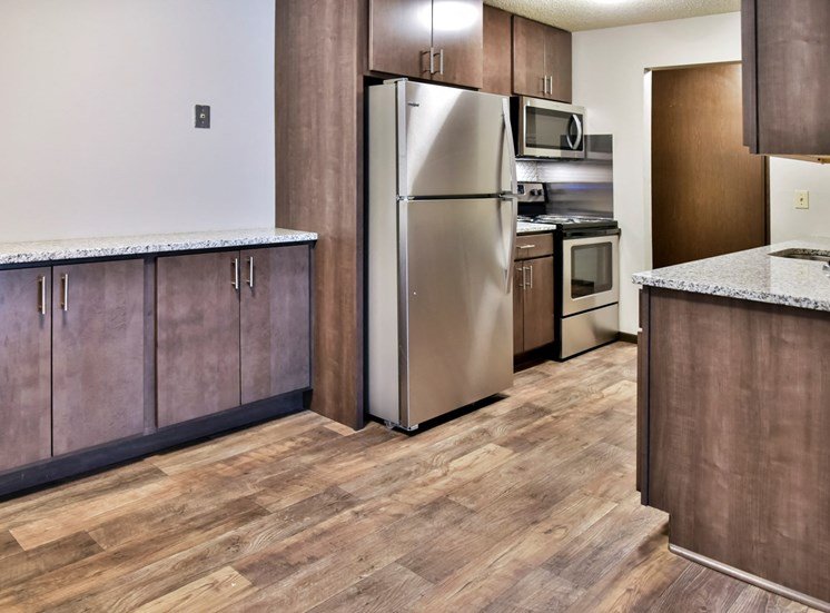 Fully Equipped Kitchen at Eagan Place Apartments, Eagan, MN