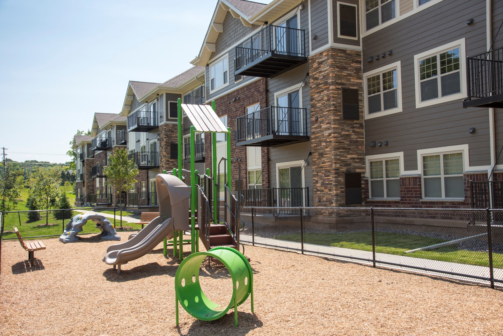 Pike Lake Marsh Apartments Exterior Playground for kids