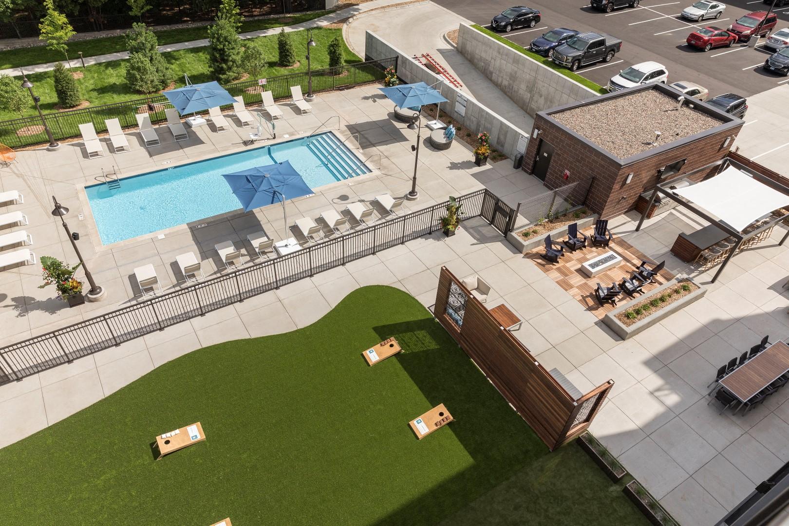 The McMillan Shoreview Exterior Sun Deck Pool