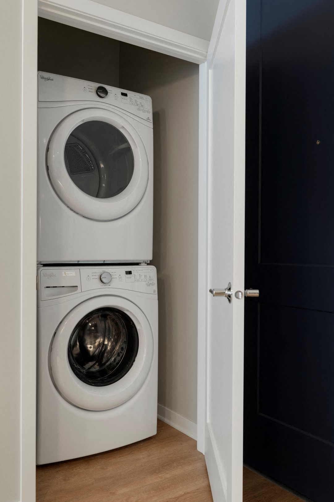 The McMillan Shoreview Model 108 Laundry Washer Dryer