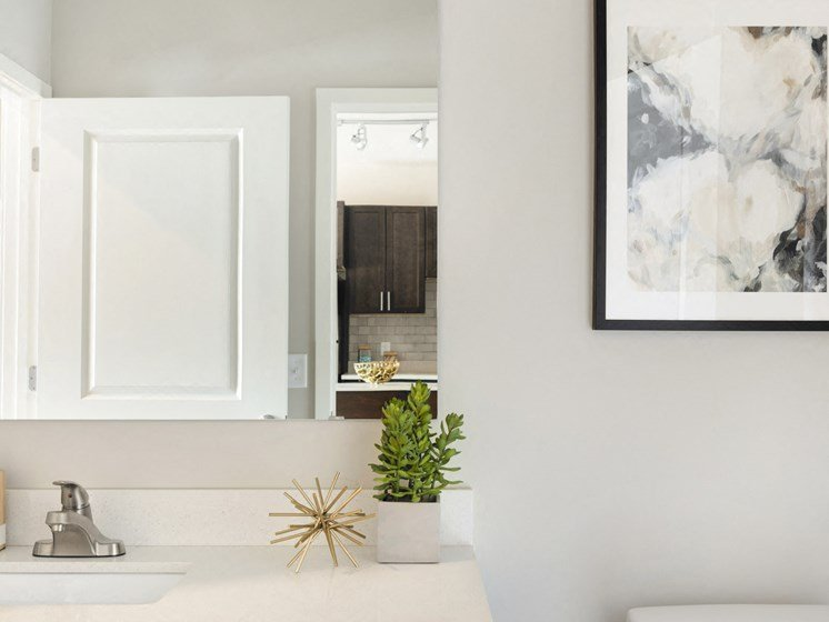 Modern bathroom finishes