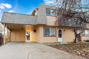 218 N Indiana Ave 2 Beds Apartment for Rent Photo Gallery 1