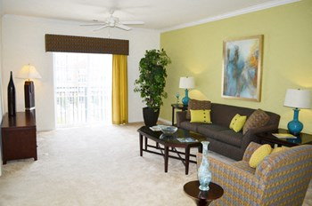 675 Town Center Drive 2 Beds Apartment for Rent Photo Gallery 1