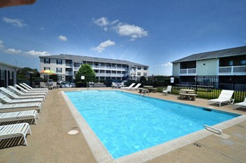 5535 E. Virginia Beach Blvd. 1-2 Beds Apartment for Rent Photo Gallery 1