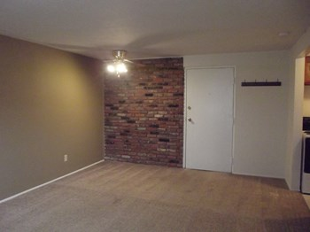 3439, 41 West Brainard Rd. 1 Bed Apartment for Rent Photo Gallery 1