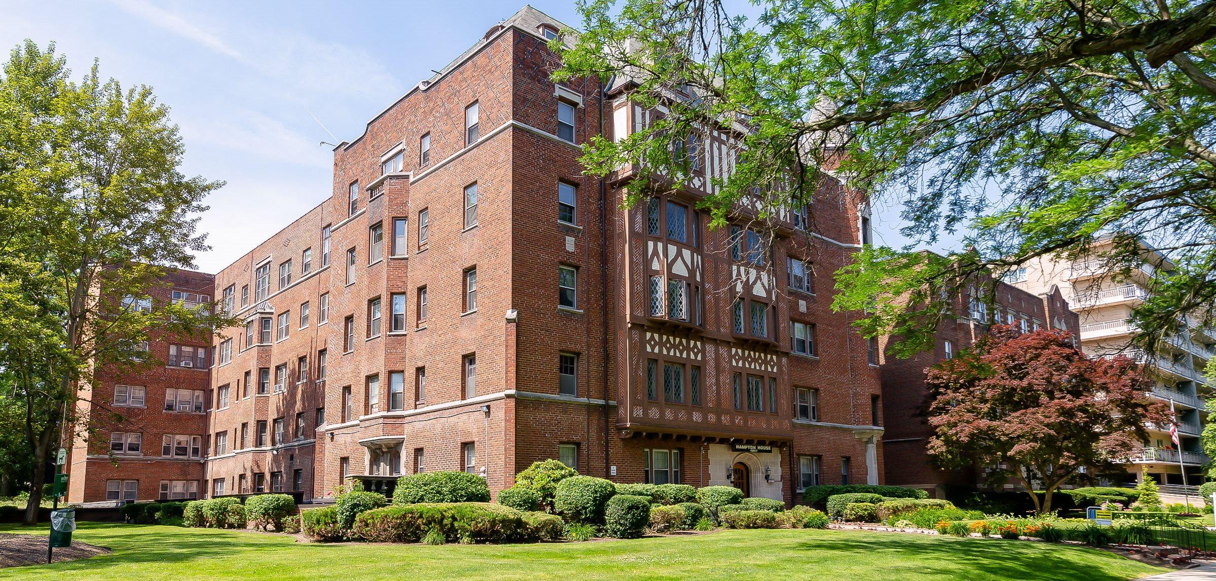 Hampton House Apartments