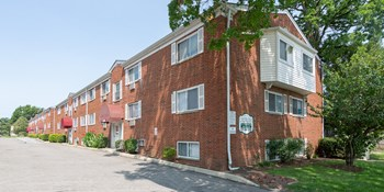 1446 Coutant Ave. 1 Bed Apartment for Rent Photo Gallery 1