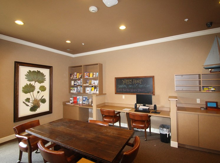 This is a picture of the business center in the resident clubhouse at Nantucket Apartments, in Loveland, OH.