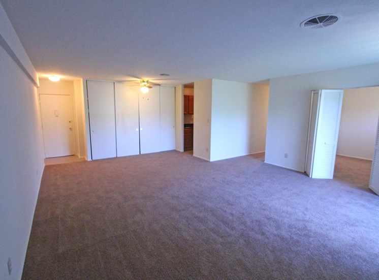 This is a photo of an apartment living room at Park Lane Apartments in Cincinnati, OH.