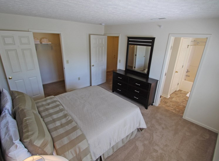 This is photo of the bedroom of the 852 square foot 1 bedroom Fairlawn at Trails of Saddlebrook Apartments in Florence, KY.