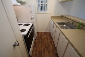 10602 Stone Canyon Road 1-2 Beds Apartment for Rent Photo Gallery 1
