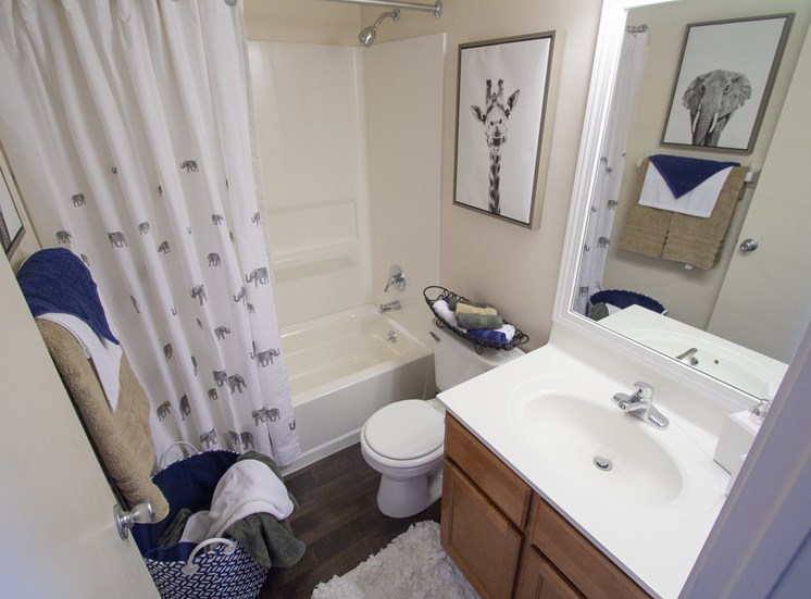 This is a picture of the bathroom of the 980 square foot 2 bedroom apartment at Fairfield Pointe Apartments in Fairfield, Ohio