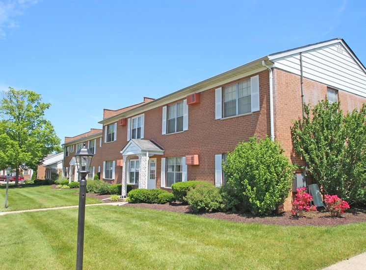 This is a photo of the grounds/building exteriors at Compton Lake Apartments in Mt. Healthy, OH.