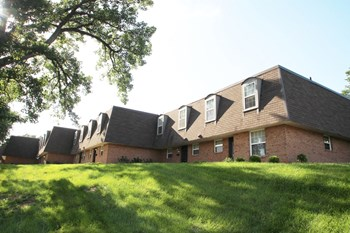 2400 Albemarle Drive 2 Beds Apartment for Rent Photo Gallery 1