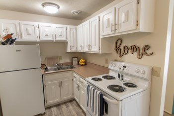 2496 Queen City Ave. #5 1-2 Beds Apartment for Rent Photo Gallery 1