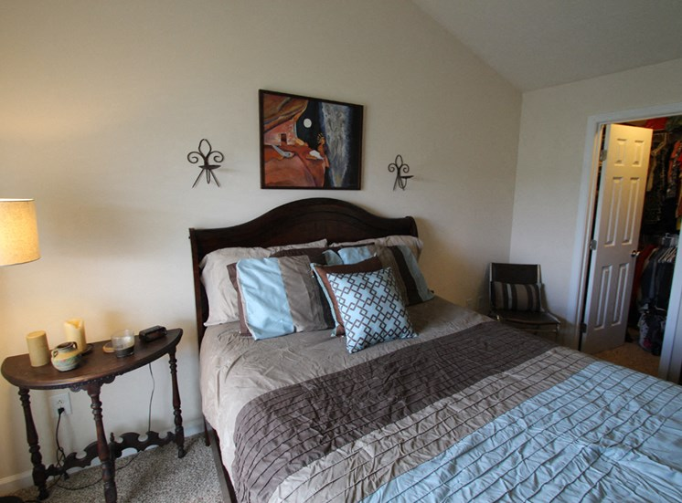 This is a photo of the bedroom in the 1 bedroom Clipper floor plan at Nantucket Apartments in Loveland, OH.