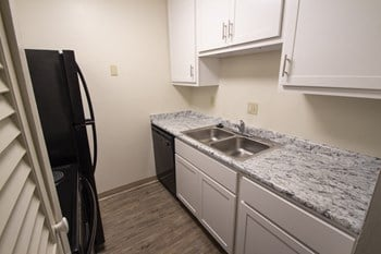 4201 Victory Parkway 1 Bed Apartment for Rent Photo Gallery 1