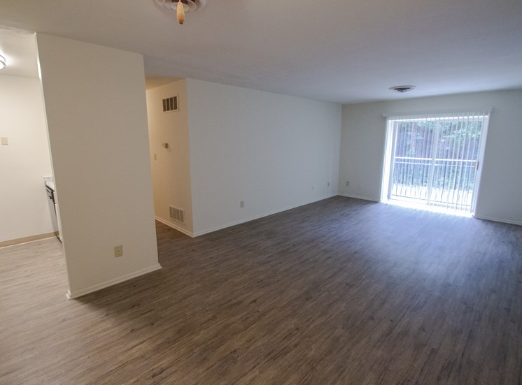 This is a photo of the living room in a 849 square foot 2 bedroom, 2 bath apartment at Park Lane Apartments in Cincinnati, OH.