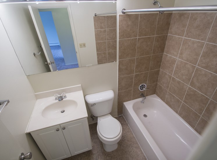 This is a picture of the bathroom in a 549 square foot 1 bedroom aprtment at Romaine Court Apartments in Cincinnati, OH.