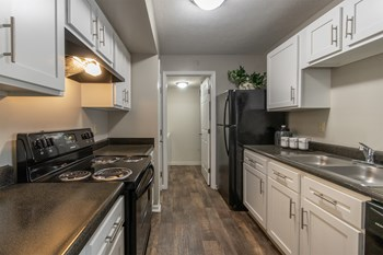 646 Meadowlands Trail 2 Beds Apartment for Rent Photo Gallery 1