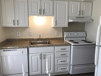 10702 Stone Canyon Rd. 1-2 Beds Apartment for Rent Photo Gallery 1