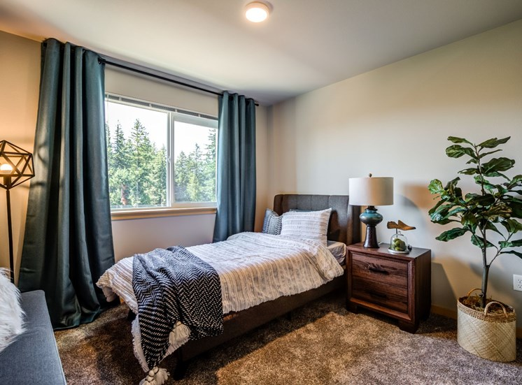 Gorgeous Bedroom at Panorama, Snoqualmie, 98065