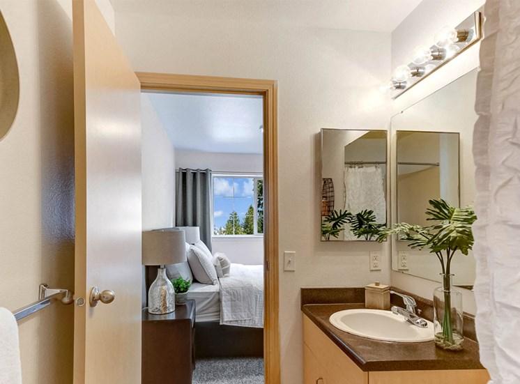 apartment-bath1100x700