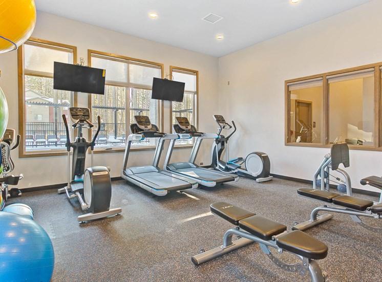 community-fitness21100x700