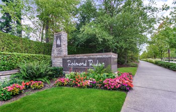 11099 Eastridge Drive NE 3 Beds Apartment for Rent Photo Gallery 1
