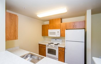 2129 Maltby Road 2-3 Beds Apartment for Rent Photo Gallery 1