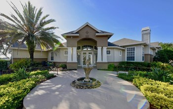 5200 N Orange Blossom Trail 1-4 Beds Apartment for Rent Photo Gallery 1