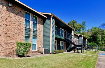 1075 Pinchback Road 1-4 Beds Apartment for Rent Photo Gallery 1