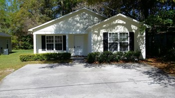 252 VICTORY GARDENS DRIVE 3 Beds House for Rent Photo Gallery 1