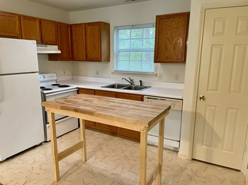 285 BEASLEY ROAD 1 Bed Apartment for Rent Photo Gallery 1